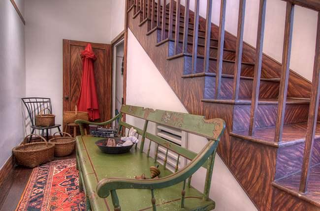 Foyer Rug Juice : A tailors lodging abingdon va bedroom historical